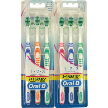 Toothbrush Oral-B Classic Care 35 Med. 2+1